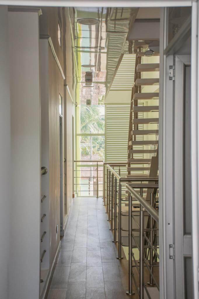 Corredor-2 escaleras