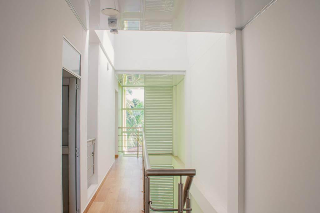 Escaleras-1 corredor